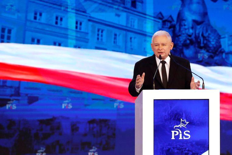 Jaroslaw Kaczynski (PIS) bij een partijcongres. Beeld REUTERS