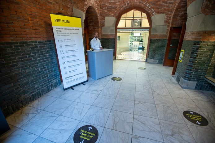 Coronamaatregelen in het Van Abbemuseum in Eindhoven