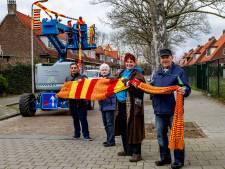 Gebreide sjaal van 3 kilometer kleurt Deventer Voorstad rood-geel
