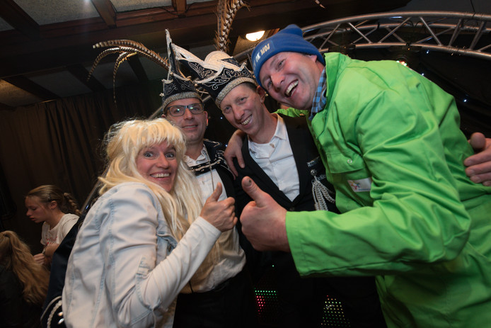 Ankie van Erp, prins Joury d'un Urste, adjudant Martin en boer Maurice.