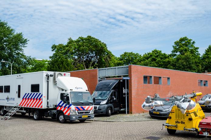 De inval bij het Tilburgse kantoorpand van The Grass Company, op 2 juli 2014