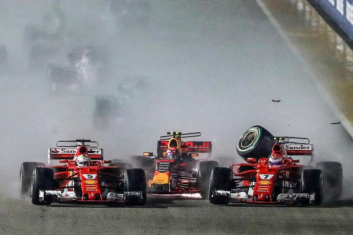 2017: Max Verstappen in de sandwich bij Sebastian Vettel (links) en Kimi Räikkönen.