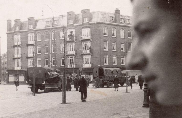 Joden worden met overvalwagens opgepakt in de Amsterdams Transvaalbuurt.  Beeld NIOD