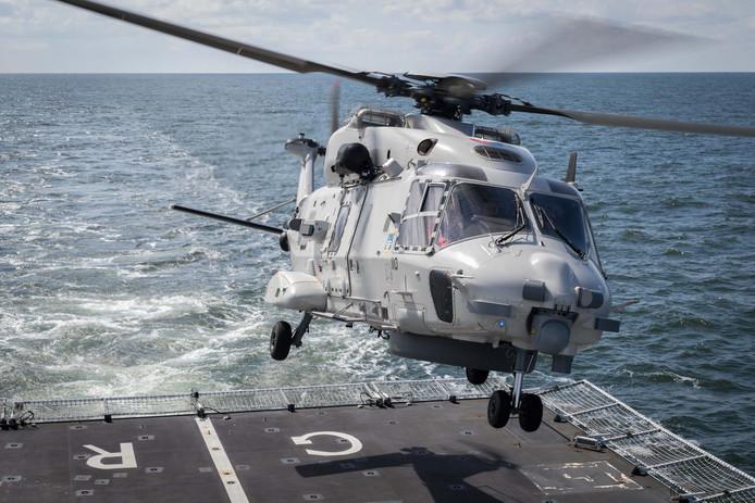 Een NH90-heli werd ingezet om het drugstransport tot stoppen te dwingen.