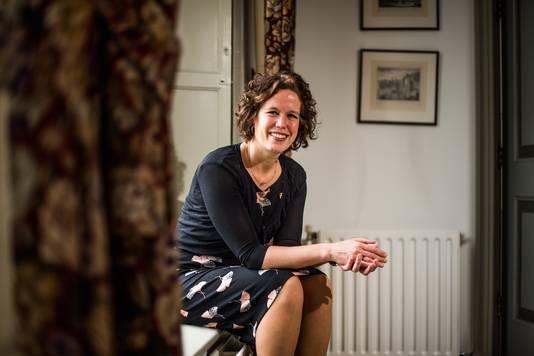 """Ester Weststeijn, burgemeester van Rozendaal. ,,Wij willen solidair zijn met andere kleine gemeenten."""""""