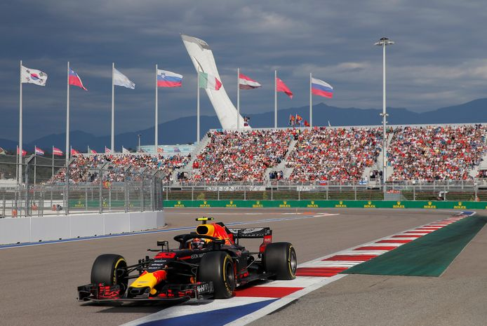 Max Verstappen op het Sochi International Street Circuit op 30 september 2018.