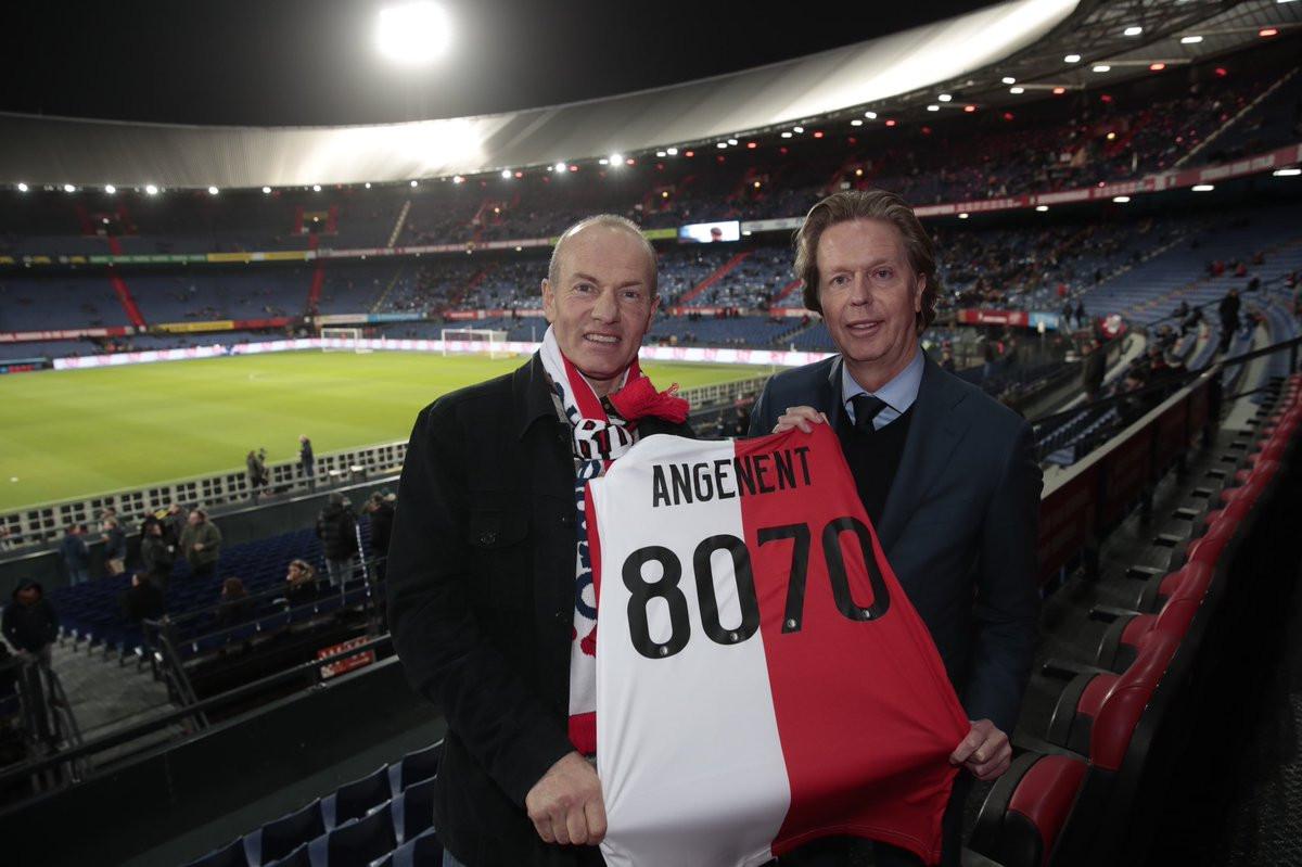 Henk Angenent met Jan de Jong (rechts), algemeen directeur van Feyenoord