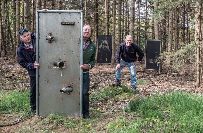 De organisatoren van de kunstroute in MIll van afgelopen jaar: Pieter van den Elzen, Bert Verweijen en Piet Toonen (v.l.n.r.).
