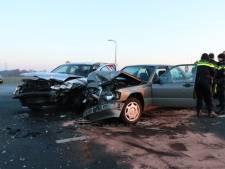 Frontale botsing op N18 bij Usselo, twee gewonden