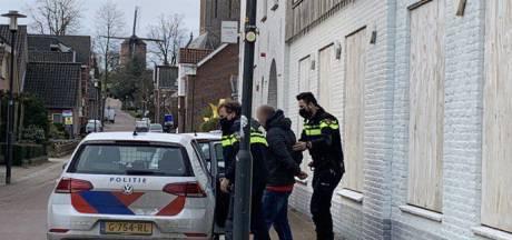 Agenten houden man aan op verdenking van inbraak in Zeddam