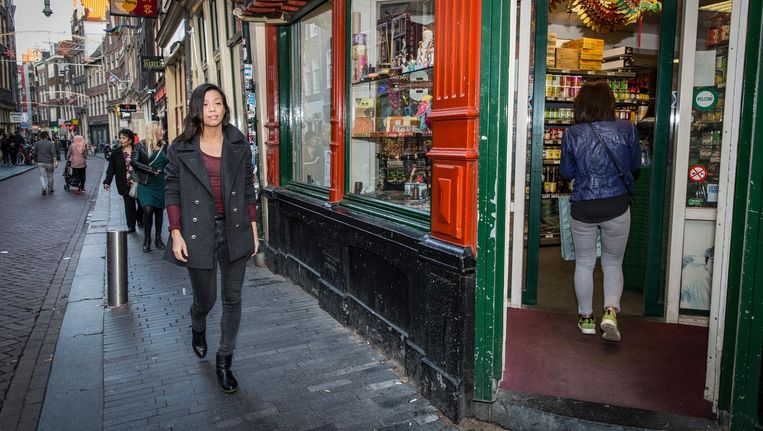 Li: 'Ik heb vrijelijk geschreven over mijn jeugd in het Chinese restaurant en dat zijn niet allemaal mooie herinneringen' Beeld Dingena Mol
