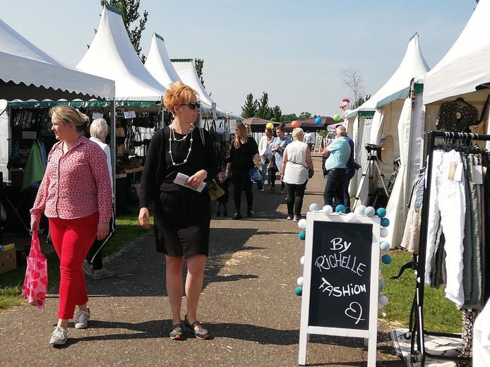 Voor elk wat wils op het eerste Fest-Event op het buitenterrein van de Evenementenhal Hardenberg.
