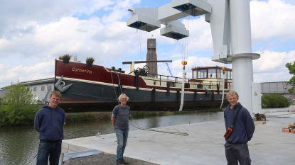 't Buitenbeentje investeert in 'grootste botenkraan van het land', die schepen tot 50 ton kan liften