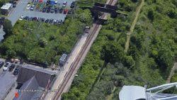 Naakte zonnebader aangezien voor lijk langs Engelse spoorweg