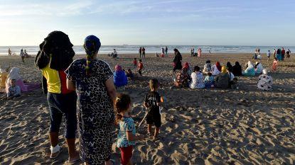 Redders halen 16 lichamen van verdronken Marokkaanse jongeren uit het water