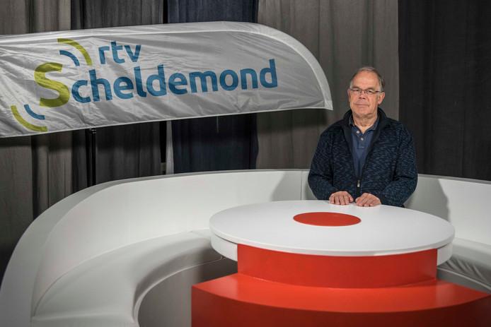 Voorzitter Kees Hoek van Scheldemond RTV tijdens de opening van de nieuwe studio in 2017.
