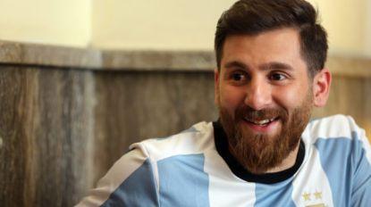 Nep-Messi zet Rode Plein in rep en roer