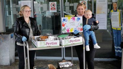 Kinderdagverblijf 't Kabouterhuisje verwent rusthuis De Meers met 30 taarten