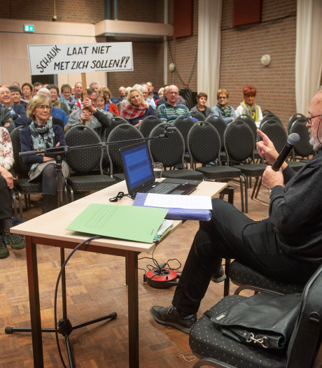 Schaijkenaar Manders voert betoog van vijf kwartier over herindeling, maar feiten blijven uit