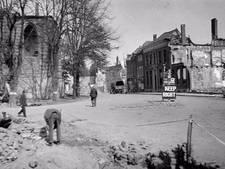 Herdenking bombardementen  in Nieuwscafé