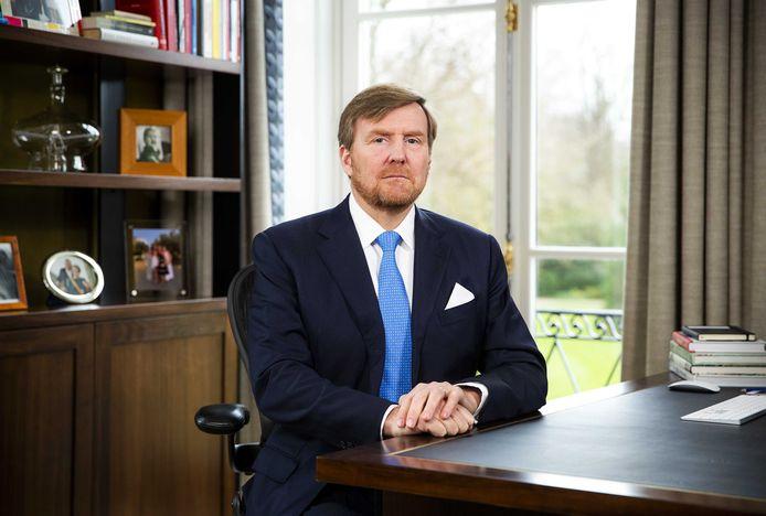 Remco Kock: 'Mijn broertje had meer behoefte aan koning Willy dan aan Willem-Alexander. Meer behoefte aan Lucky TV dan aan wat nu non-stop op de treurbuis is: Unlucky TV.'