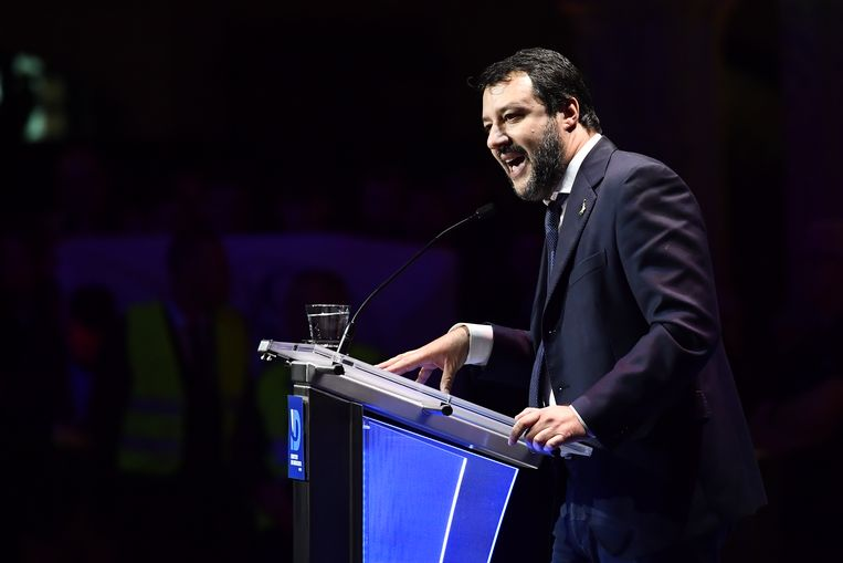 """Salvini had het een dik kwartier vooral over de Europese waarden en normen, die volgens hem verloren gaan door """"islamisme"""" en """"links activisme""""."""