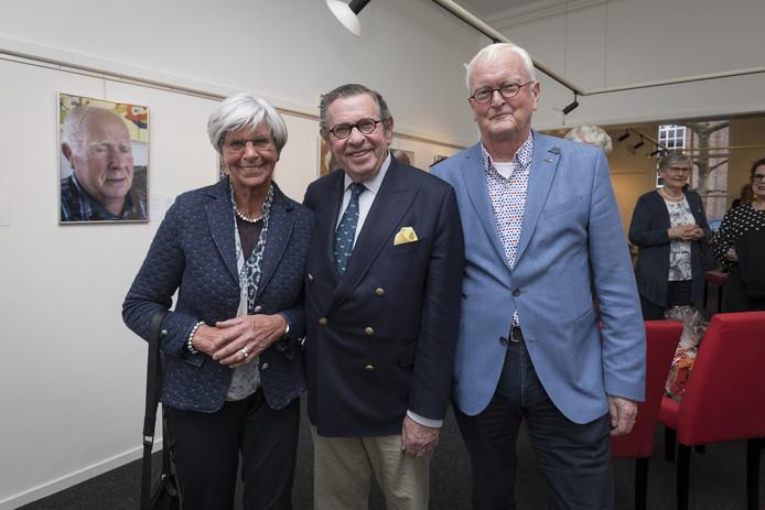 Siegfried van Maagdenburg met Engelien en rechts Eltjo Haselhoff.