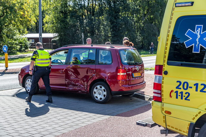 Ongeluk op de Beneluxweg in Oosterhout.