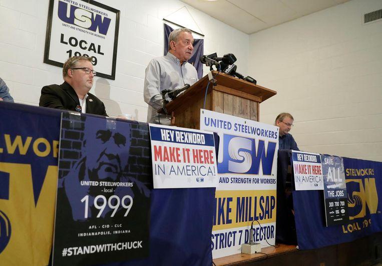 Chuck Jones geeft een persconferentie in Indianapolis op 9 december. Beeld ap