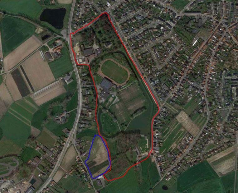 De uitbreiding van Ter Borcht vanuit de lucht: rood is het huidige domein, blauw is de uitbreiding tot aan de Krekelstraat.