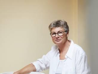"""Nina vraagt het aan wereldwijd bekende keramiste & vrouw van Mark Uytterhoeven Ann Van Hoey: """"Het was Mark die me pushte om meteen hoog te mikken"""""""