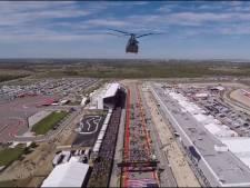Chinooks en Apaches Gilze-Rijen vliegen boven Formule I-wagens in Austin