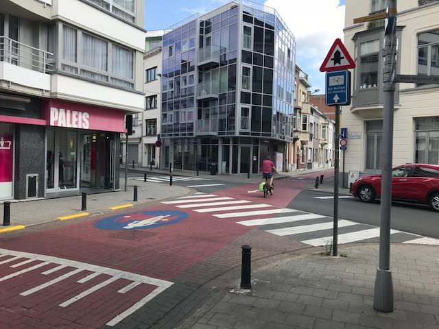 Het bewuste kruispunt, met voorrang voor fietsers