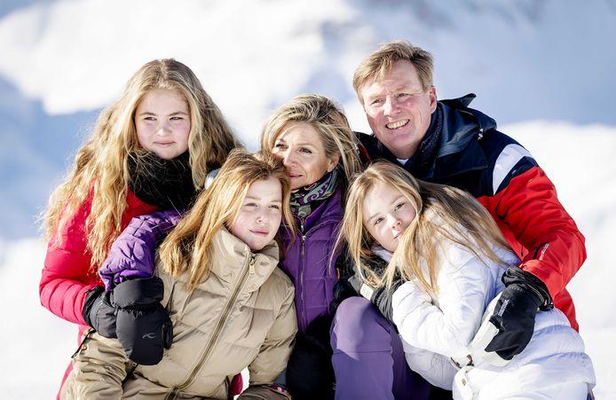 Amalia, Alexia, Máxima, Ariane en Willem-Alexander.