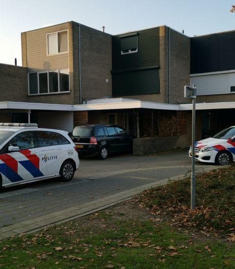 Overlopen inbreker vlucht in Ede op zijn sokken: buit uit twee huizen blijft achter