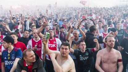 16 aanhoudingen en wat blikjes bier naar het scherm op met 100.000 mensen volgelopen Museumplein, maar Amsterdam blijft rustig