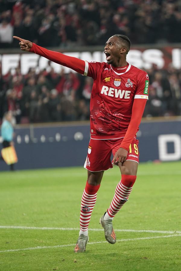 Kingsley Ehizibue, de vrolijkheid zelve in Keulen.