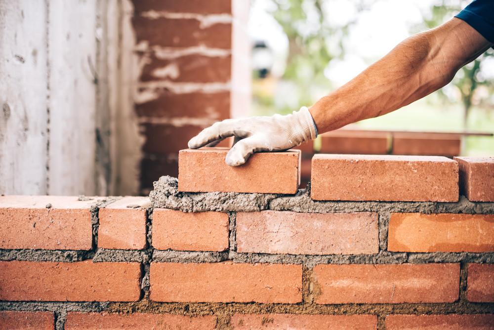 Het gaat naar verwachting niet lukken om met nieuwbouw het woningtekort in Nederland in te halen.