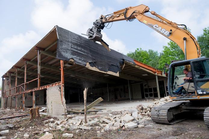De nieuwbouw van het Arc Hotel in Renesse op de plek van de in 2016 gesloopte Strandkerk moet wachten in verband met een inmiddels te hoge stikstofbelasting van het omliggende natuurgebied.