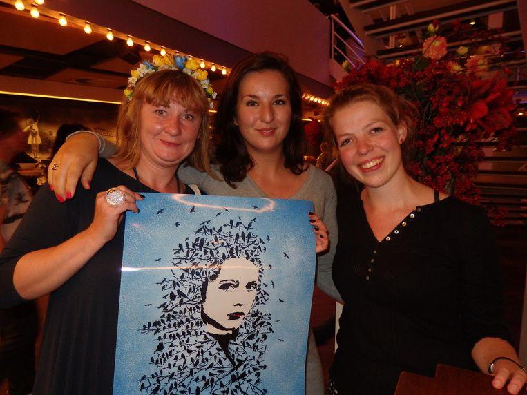 Anna Stolyarova (Street Art Museum Amsterdam), Amber Kaspersma (Young Society) en Judith Schöne (Pit). Ook zij komen werkplekken aanbieden. Beeld Schuim