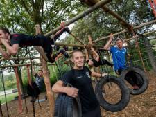 Verslingerd aan stormbaan en klimrek: Surivalrunvereniging OER Sportief
