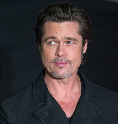 'Nieuwe liefde van Brad is een Angelina look-a-like'