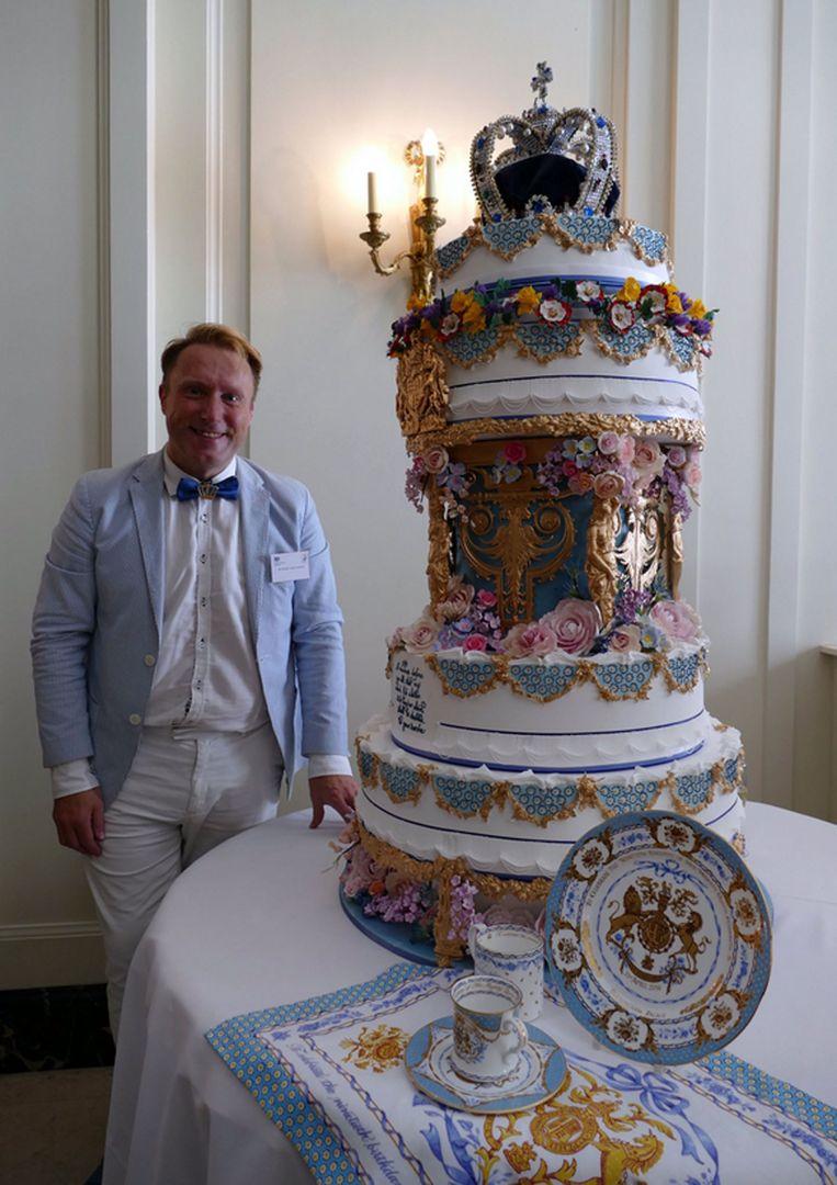 Michael Lewis-Anderson maakte deze taart ter gelegenheid van de 90ste verjaardag van de Queen.