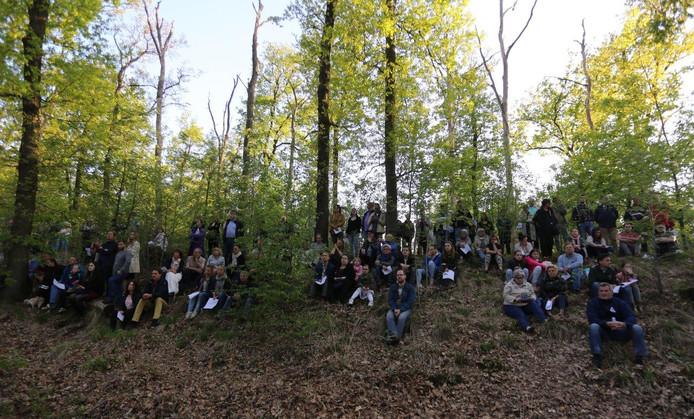 Veel mensen kwamen bij de herdenking in Vught.