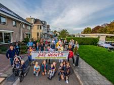 Ruim negenhonderd handtekeningen in Moordrecht tegen snelfietsroute, alternatieven 'weggehoond'