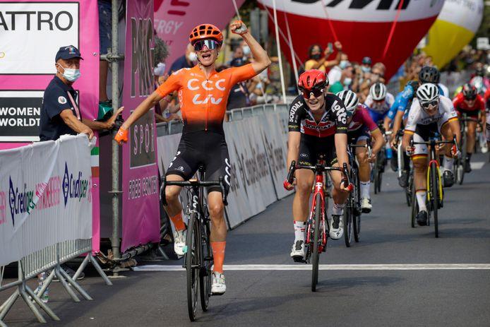 Marianne vos wint de vijfde etappe van de Giro Rosa.