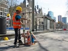 Rotterdam komt tot stilstand, maar op de Coolsingel dendert het werk door