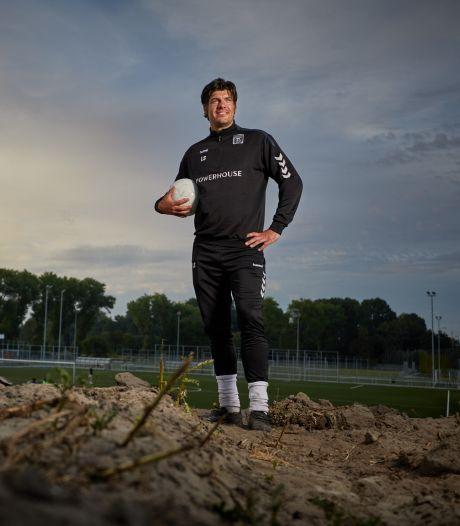 De coronacrisis kost ondernemer Laurens Smit veel geld, maar voetbal houdt hem op de been