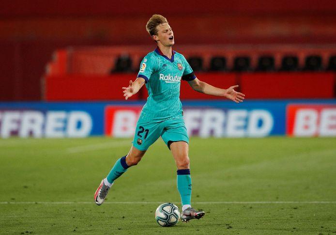 Frenkie de Jong tijdens het competitieduel met Real Mallorca, de laatste keer dat de middenvelder in actie kwam.