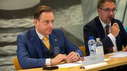 """Antwerpen investeert 2 miljard euro, maar De Wever tempert: """"Stad is nog niet af van zuurstoffles"""""""
